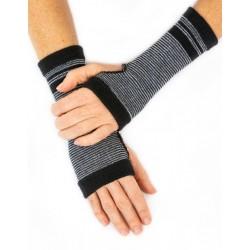 Open glove wool blackwhite